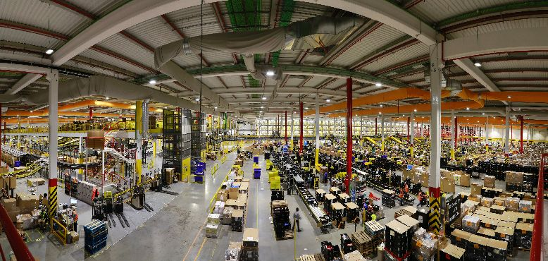 Panorama-interior-centro-logistico-Amazon.es-4